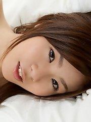 Miri Yaguchi Shows Her Perfect Body