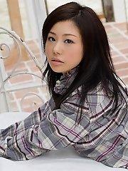 Takami Hou cute schoolgirl shows off nice ass