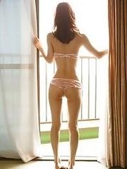 Sexy and amazing Japanese av idol Yuria Ashina lies naked waiting for you