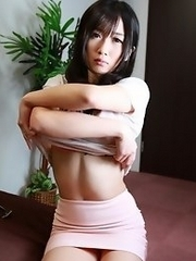 Sexy and lovely Japanese av idol Hibiki Otsuki shows her naked body in car and at home