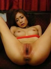 Shuri Maihama enjoys in hot toying