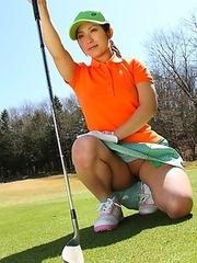 Beautiful golf chick Nana Kunimi