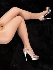 Saori Hirako posing naked in her high heels after a sensational footjob session