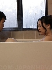 Busty An Kanoh has the cunt licked in bathtub